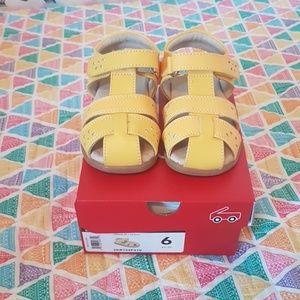 See kai run Gloria toddler sandals size 6